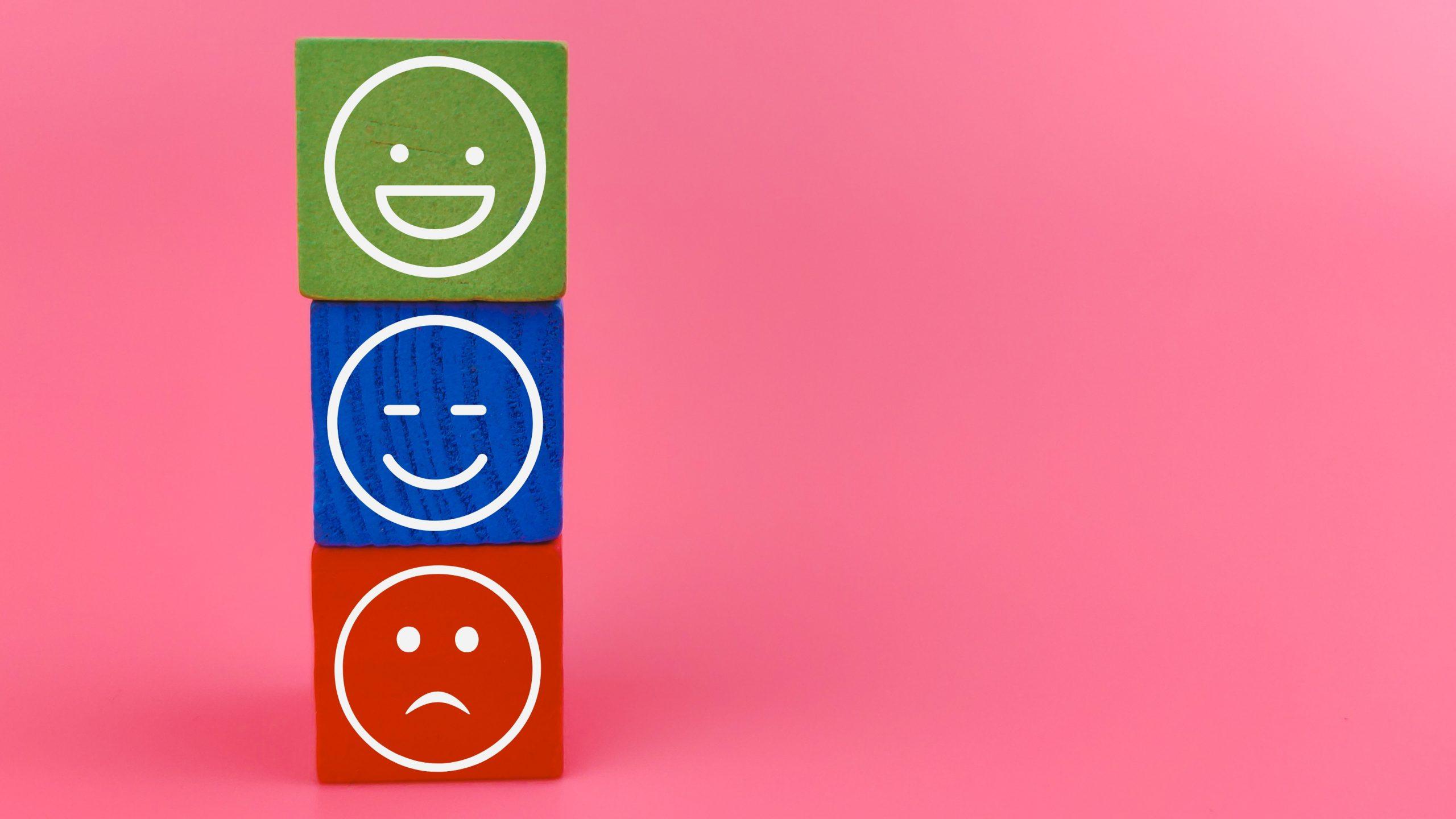 Feedback emoticons for mailserver monitoring
